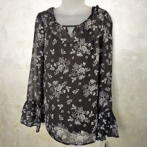 Apt 9 Bell Sleeve Blouse NWT XL